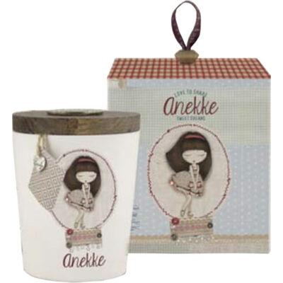 Anekke ajándék illatos gyertya, Patchwork, fehér porcelánban